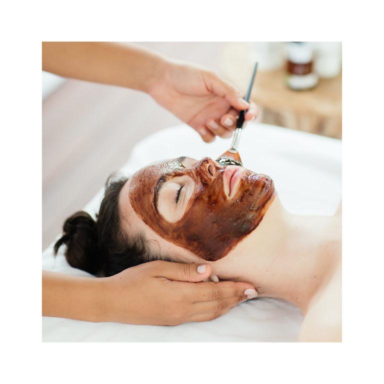 Boka tid för ansiktsbehandling